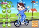 Маленькая-девочка-учится-кататься-на-велосипеде