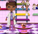 Доктор Плюшева стирает игрушки