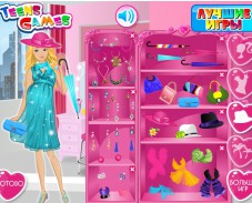 Игра Одевалка беременная Барби онлайн