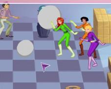 Игра Битва на шахматной доске Тотали Спайс онлайн