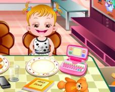 Игра  Малышка Хейзел: манеры во время обеда онлайн