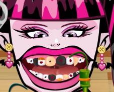 Игра Лечим зубы Дракулауре онлайн