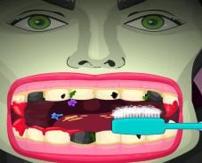 Игра Малефисента у дантиста онлайн