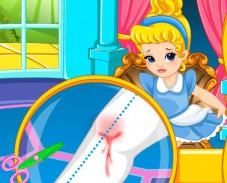 Игра Доктор для малышки Золушки онлайн