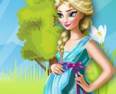 Игра Беременная Эльза готовит онлайн
