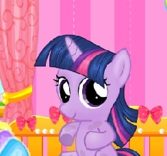 Игра Пони: Беременная Искорка онлайн